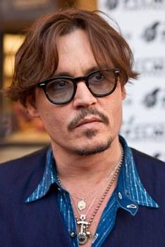 Johnny_Depp_2,_2011.jpg